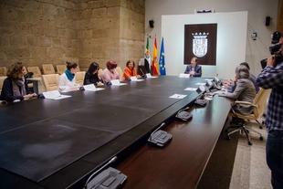 El Consejo de Gobierno autoriza la contratación del servicio de mediación familiar en Badajoz, Cáceres y Plasencia
