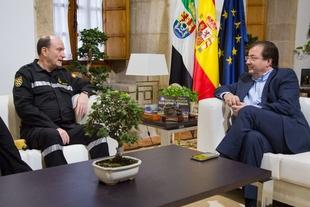 El presidente de la Junta se reúne con el nuevo jefe de la Unidad Militar de Emergencia (UME)