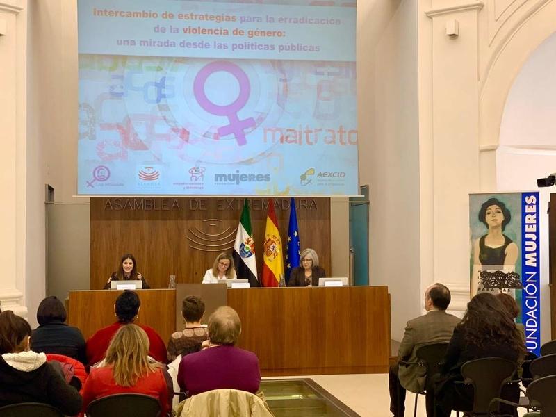 Gil Rosiña resalta la importancia de educar en igualdad para erradicar la violencia de género