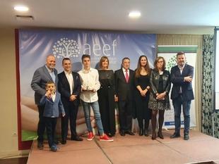 Rafael España destaca las distintas medidas que desarrolla la Junta en apoyo al relevo generacional en las empresas
