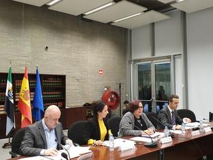 La Junta informa a policías locales sobre el nuevo curso selectivo para agentes en Extremadura