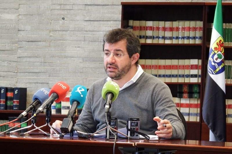 El desempleo bajó en 1.107 personas durante el pasado mes de diciembre en Extremadura