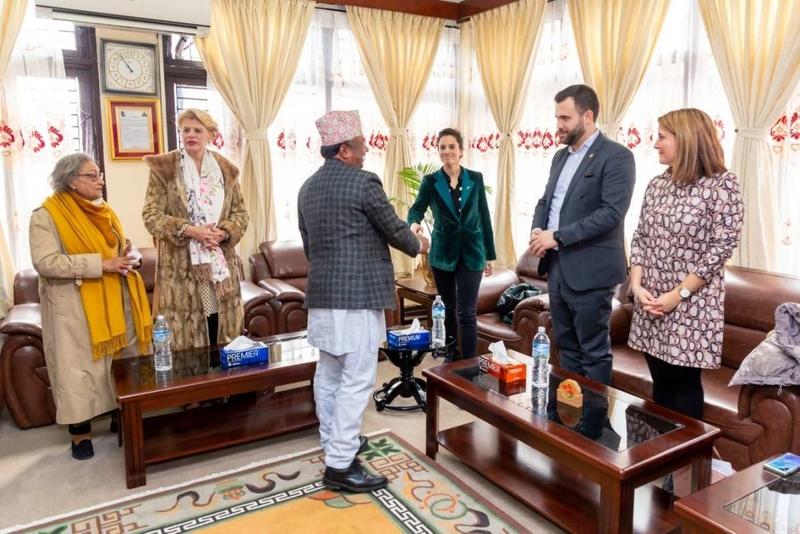 La firma del memorándum de entendimiento inicia la colaboración entre la ciudad nepalí de Lumbini y Cáceres