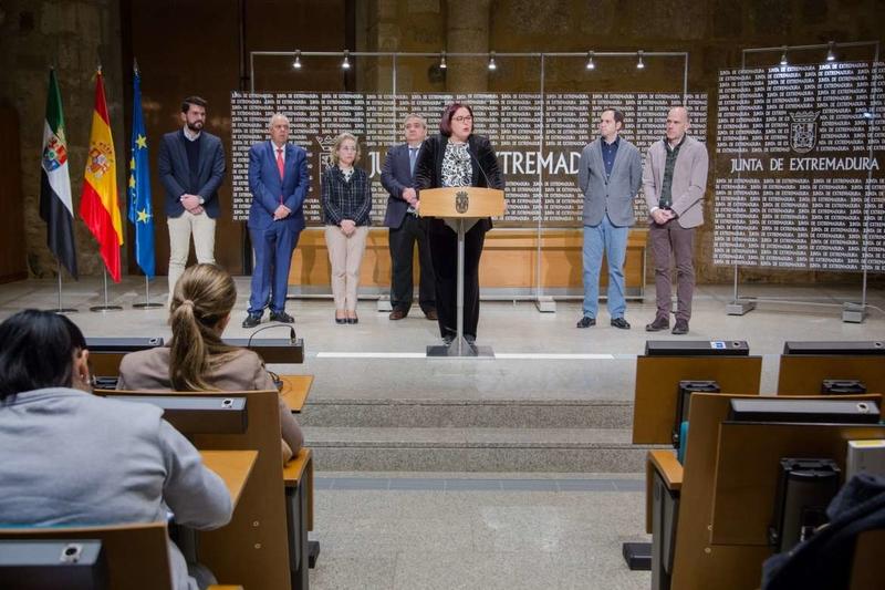 Junta y UEx firman un convenio de colaboración técnica y científica para articular la estrategia ante el reto demográfico