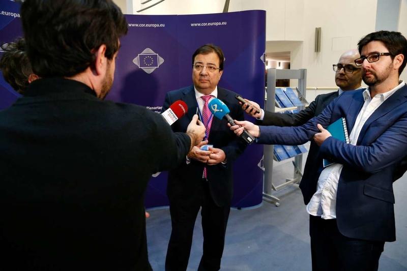 Guillermo Fernández Vara asume la jefatura de la delegación española en el Comité Europeo de las Regiones