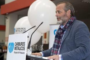 Rafael España asiste al primer aniversario del centro logístico y de ventas en Extremadura de la empresa Carburos Metálicos