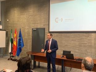 La Junta reúne a los agentes sociales, empresas, expertos y administraciones públicas para analizar los retos en la gestión del agua en Extremadura