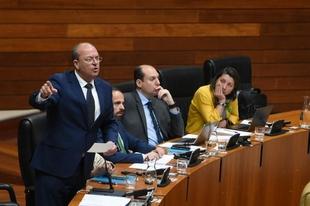 Monago insta a Vara y a Planas a remangarse en Bruselas y que no vuelvan sin la renta agraria garantizada