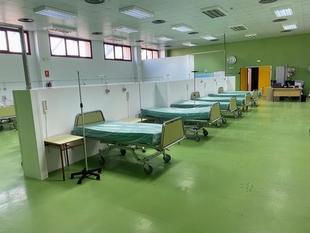 El Área de Salud de Mérida implanta un plan de contingencia para 85 plazas más de UCI, urgencias y hospitalización