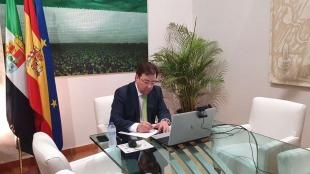 Fernández Vara defiende un nuevo modelo de residencias de mayores a nivel nacional