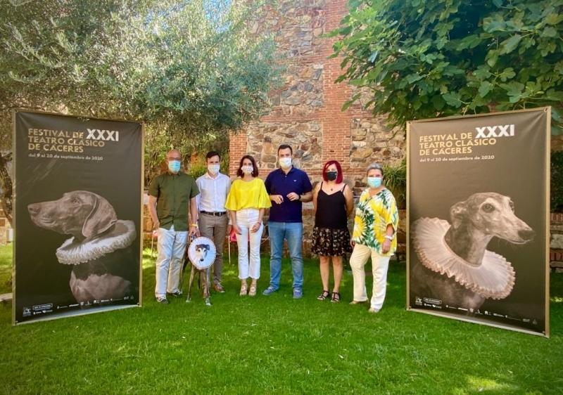 La consejera Nuria Flores destaca la programación cultural que Extremadura ofrece en verano