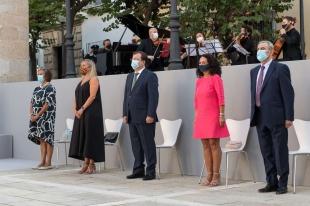 La Junta, representantes de instituciones y sociedad civil rinden homenaje en el Día de Extremadura a víctimas y colectivos que luchan contra la Covid