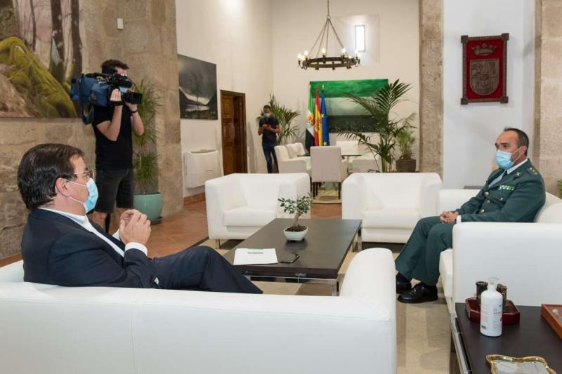 Vara se reúne en Mérida con el teniente coronel jefe de la Comandancia de Badajoz