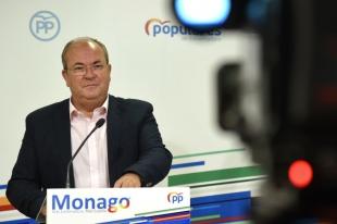Monago pide que se ''resucite'' la atención primaria en Extremadura con ''más batas y menos teléfonos''
