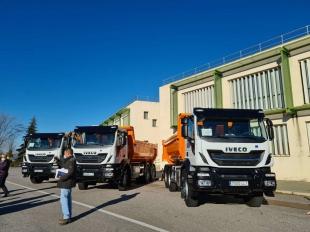 Desarrollo Rural entrega camiones para el mantenimiento de caminos rurales a las mancomunidades de Tentudía, Sierra de San Pedro y Suroeste