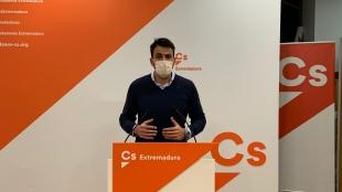 Salazar (Cs) critica que los 1.381 contagios hacen ver que la Junta de Extremadura ''va por detrás'' del virus