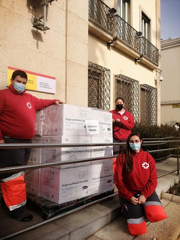 El Gobierno envía otras 286.000 mascarillas quirúrgicas a Extremadura, que serán entregadas a entidades sociales y corporaciones locales