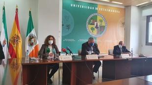 La consejera Olga García celebra la nueva Cátedra de la UEx sobre Transición Energética y la Economía Circular para construir una región mejor
