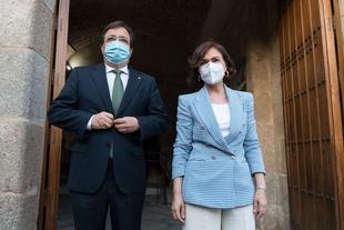 Fernández Vara y Carmen Calvo apuestan por la cogobernanza para tomar decisiones tras el levantamiento del estado de alarma