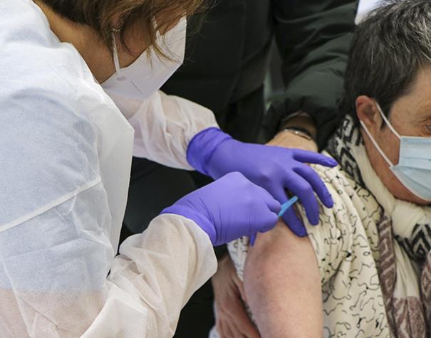 El Grupo Social ONCE pide que la estrategia de vacunación mundial no olvide a las personas con discapacidad