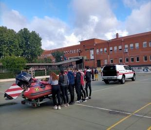 El 112 organiza unas jornadas en el IES Albarregas de Mérida para dar a conocer su funcionamiento y el Teléfono Único Europeo de Emergencias