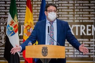 Vergeles se muestra 'prudentemente satisfecho' por la marcha de la vacunación contra la COVID-19 en Extremadura