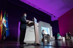 Vara destaca los cambios de la comunicación política en los últimos años