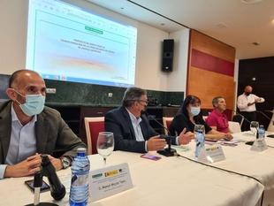 Begoña García avanza que el regadío de Tierra de Barros supondrá un gran impacto económico y social en Extremadura