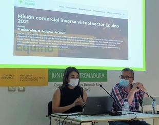 La Mesa del Sector Equino de Extremadura se reúne en Badajoz en el marco del certamen Ecuextre 2021