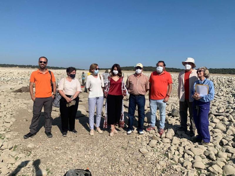 La consejera de Cultura destaca la labor que el Ministerio está llevando a cabo para el estudio y conservación del dolmen de Guadalperal