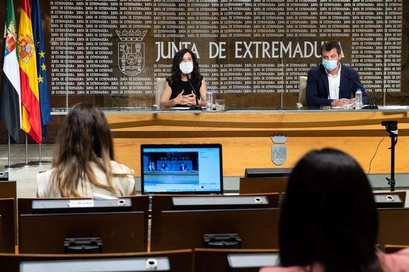 El paro desciende en Extremadura en 7.311 personas durante el mes de julio, una bajada del 7,11 por ciento