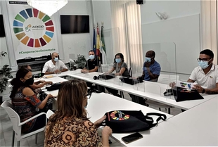 El director de la AEXCID se reúne con defensores colombianos de los derechos humanos