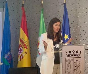 Gil Rosiña afirma que la Junta acompañará a las empresas extremeñas a impulsar los planes de igualdad para acabar con la brecha de género