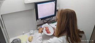 Expertos catadores de CICYTEX evalúan los jamones con denominación de origen presentados al concurso Premios Espiga