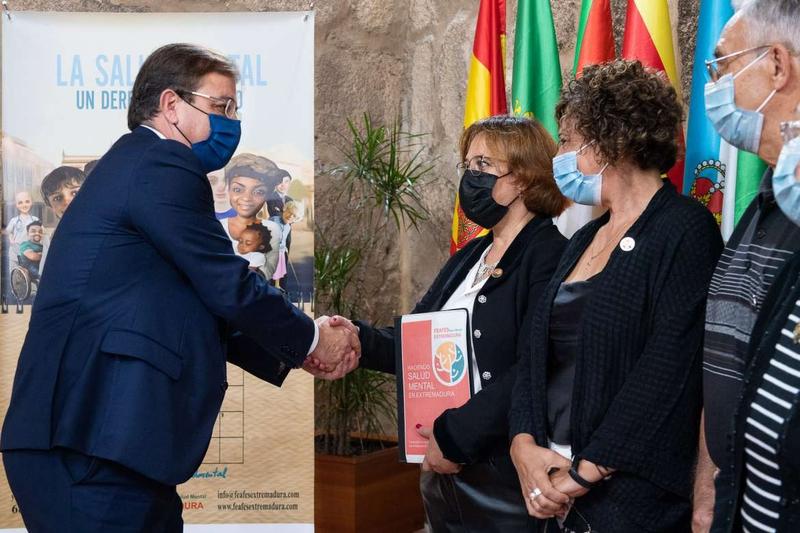 Fernández Vara defiende la necesidad de impulsar la investigación en un acto con motivo del Día Mundial de la Salud Mental