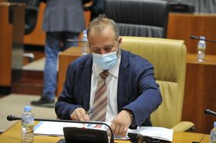 Rafael España expone en la Asamblea de Extremadura el Decreto-ley 7/2021 que flexibiliza los requisitos de las ayudas del Gobierno de España