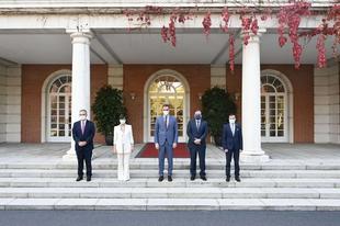 Fernández Vara y los alcaldes de Don Benito y Villanueva de la Serena se reúnen con el presidente del Gobierno
