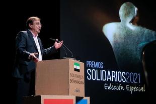 Fernández Vara valora el esfuerzo colectivo de la sociedad durante la pandemia provocada por la Covid-19