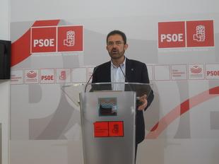 Bernal (PSOE): ''nos alegrar�amos m�s si no tuvi�ramos 24.000 parados m�s en lo que va de legislatura o no se hubieran destruido 17.000 empleos''