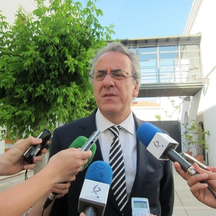 Segundo P�riz dice que la UEx contar� con ''el mejor equipo de gobierno'' y con un proyecto que va a ayudar a su progreso