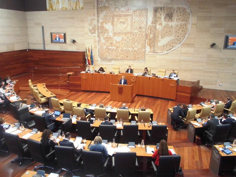 El proyecto de Ley de Presupuestos Generales de Extremadura 2015 sigue con su tramitaci�n parlamentaria