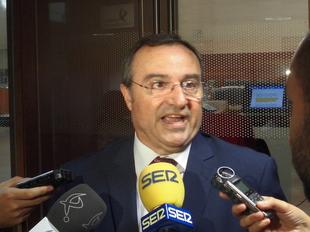Checa se compromete a estudiar ''con tranquilidad'' las propuestas del Prex Crex y este retira su enmienda